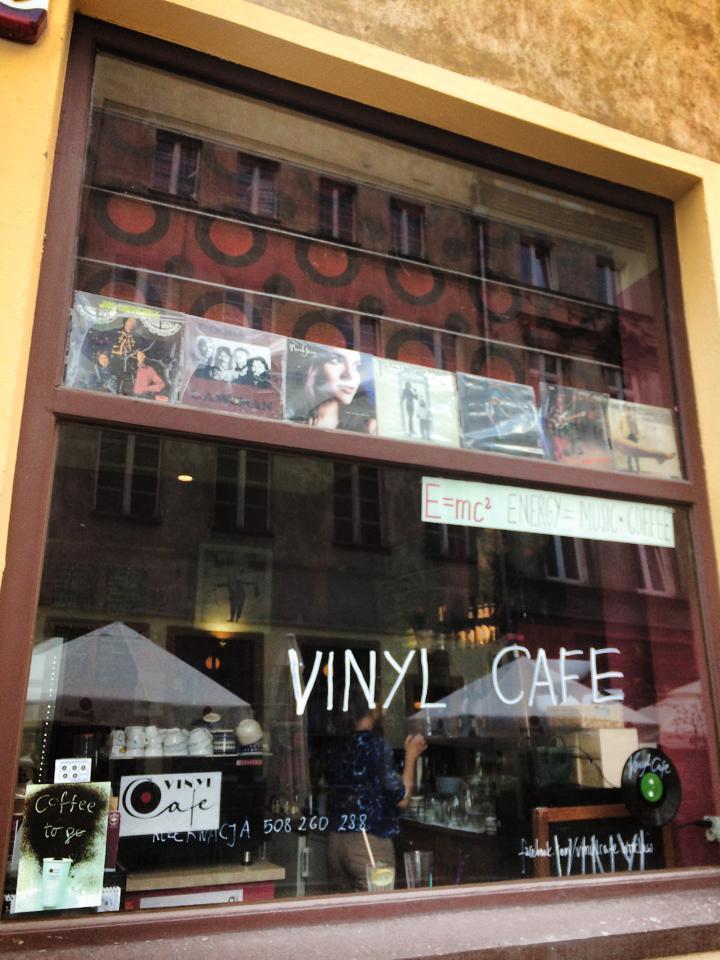 Vinyl Cafe Wroclaw Poland En 716 La Vie