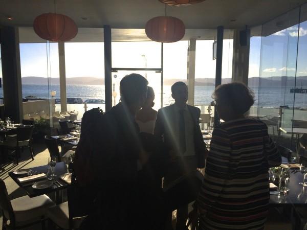 la fameuse vue du restaurant qui donne sur le bord de mer