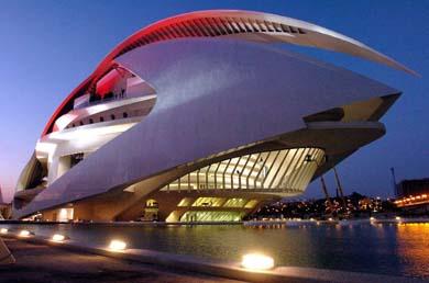 V08. Valencia, 05/10/05. Imagen tomada esta tarde del Palau de les Arts Reina Sofía, que será inaugurada por la Reina Sofia el próximo sábado ocho de octubre.- EFE/Manuel Bruque.
